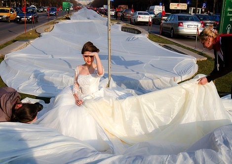 Dallas Wedding Planner, Dallas Party Planner, Dallas Event Planner, Bridal Gown, World's Longest Bridal Train, Guinness Book of World Records Bridal Gown